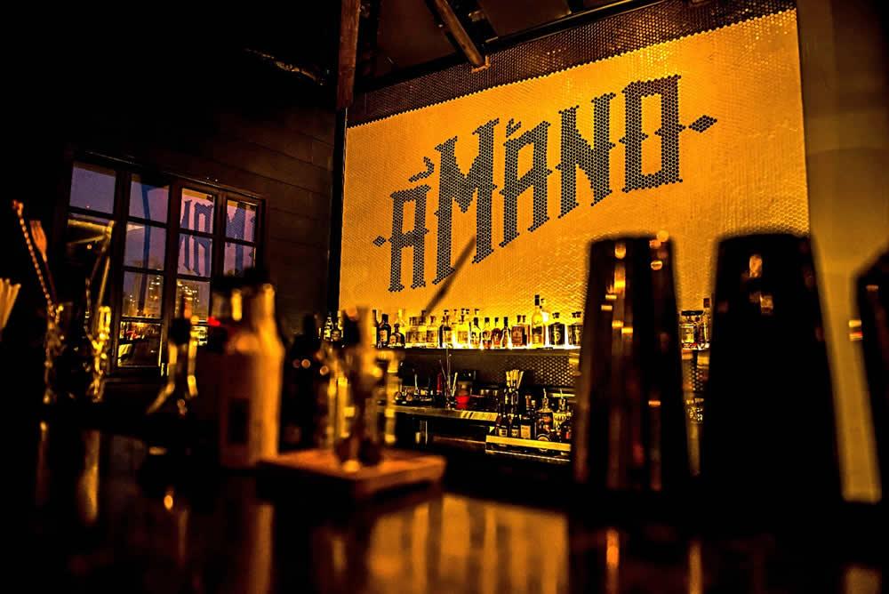 cocktails bar in Panama, vintage bar, pub, mixology, handcrafted cocktails, underground bar